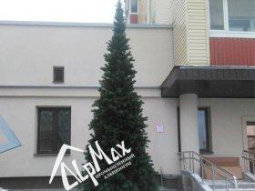 Монтаж новогодней ели высотой 5 метров