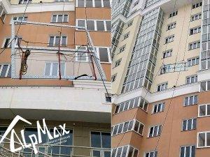 Подъем стеклопакета на этаж через окно
